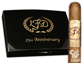La FLor Dominicana 25th Anniversary